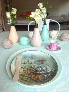 Tischdeko - Sammelteller und neues Geschirr in Pastell