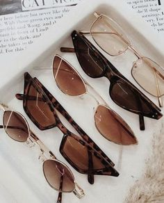 accessories aesthetic The Top Trending Sunglasses of 2020 Popular Sunglasses, Trending Sunglasses, Cute Sunglasses, Summer Sunglasses, Cat Eye Sunglasses, Sunglasses Women, Vintage Sunglasses, Black Sunglasses, Classy Aesthetic