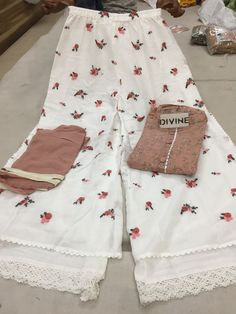 Beautiful Collection Fabric: cotton shirt Semi stich size 50 Cotton double layer plazo with emb size 40 Shiffon dupatta For more details whatsapp on Code-AGBZ Pakistani Dresses, Indian Dresses, Indian Outfits, Simple Outfits, Simple Dresses, Western Girl Outfits, Suit Fashion, Fashion Outfits, Salwar Designs