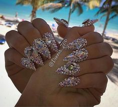 THESE NAILS ARE INSANE!! And I want them!!!