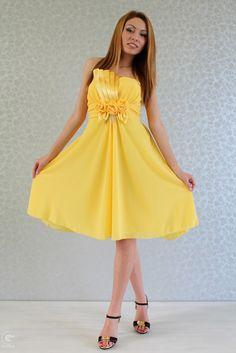 42e210e5a2b легантна рокля Хилари е невероятен избор за вашето парти! С този красив  модел със сигурност