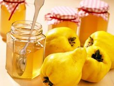 Learn how to make and prepare the recipe for Marmalatha Kythoni, also known as quince marmalade or jam. Quince Jam Recipe, Jam Recipes, Canning Recipes, Greek Recipes, Dessert Recipes, Chutneys, Quince Fruit, Greek Cookies, Baking Recipes