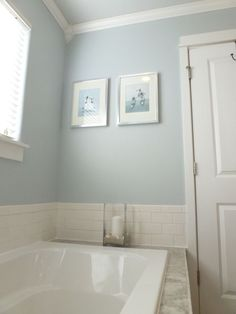 Light French Gray by Behr Marin room this house maybe master Bathroom new? Blue Gray Paint Colors, Behr Paint Colors, Bathroom Paint Colors, Paint Colors For Home, Tub Paint, Laundry Room Colors, Color Beige, Grey Bathrooms, Master Bathroom