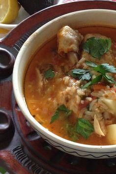 Homemade chicken soup- mexican style- caldo de pollo home co Mexican Food Recipes, Soup Recipes, Chicken Recipes, Dinner Recipes, Cooking Recipes, Healthy Recipes, Dinner Ideas, Healthy Soups, Paleo Dinner