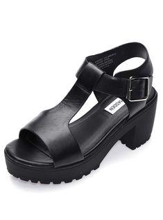 be6ea769015 Černé kožené sandály na platformě Steve Madden Stefano