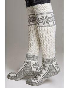 Knestrømper - Viking of Norway Winter Wear, Autumn Winter Fashion, Winter Socks, Cozy Winter, Winter Sweaters, Vetements Shoes, Fashion Business, Cozy Socks, Ski Socks
