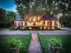 Homes In Hill Country Village San Antonio - Village Photos Collections San Antonio Real Estate, Alamo Heights, Village Photos, Ranches For Sale, Texas Homes, Estate Homes, Luxury Real Estate, Luxury Homes, House Styles