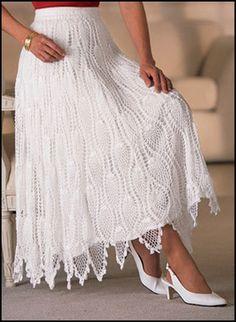 New crochet skirt pattern free link 33 ideas Crochet Bodycon Dresses, Black Crochet Dress, Crochet Skirts, Crochet Clothes, Diy Clothes, Skirt Pattern Free, Crochet Skirt Pattern, Crochet Motifs, Crochet Lace