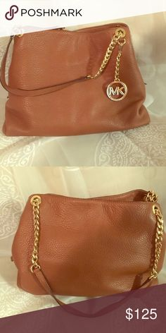 Michael Kors Purse Genuine leather, gold chain, great condition! Perfect for summer Michael Kors Bags Shoulder Bags