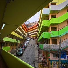 Clásicos de Arquitectura: Población Marquez de Valparaíso,© Rene Montaño Zambrano, Daniela Fuentes Caro, Solanyeth Barra Abarzúa City Buildings, Fair Grounds, Stairs, Landscape, Architecture, Fun, Google, Social Housing, Arquitetura