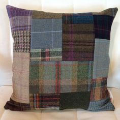 Shetland tweed patchwork cushion (link no longer works, but still a good idea) Patchwork Quilting, Patchwork Cushion, Patchwork Jeans, Vêtement Harris Tweed, Sewing Crafts, Sewing Projects, Wool Quilts, Make Do And Mend, Pillow Inspiration