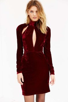 Oh My Love Great Pretender Velvet Dress - Urban Outfitters
