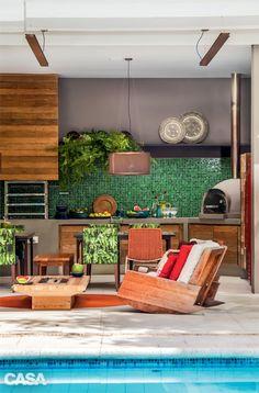 Casa grande com jardim em São Paulo tem clima carioca - Casa