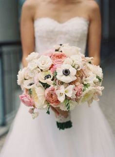 The anemone really pop in this romantic bouquet: