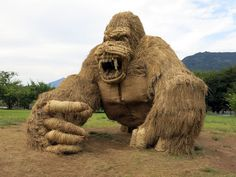Giant Straw Animals Invade Japanese Fields After Rice Harvest And They Are Absolutely Badass   Bored Panda