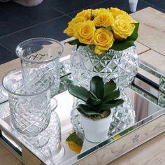 """646 Likes, 34 Comments - Katherinne Ribeiro (@katherinnerib) on Instagram: """"Bom domingo gente! Tô na onda do amarelo, então flores amarelas pra alegras a casa:) . . .…"""""""