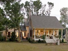 Small & cute:) Love this layout! Coastal Living - Allison Ramsey Architects Holiday House - traditional - exterior - charleston - by Allison Ramsey Architects Coastal Cottage, Cottage Homes, Coastal Living, Cottage Style, Farmhouse Style, Craftsman Farmhouse, Cozy Cottage, Coastal Homes, Coastal Style