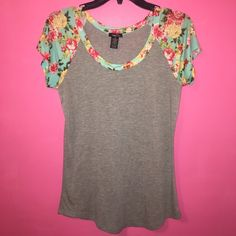 Rue 21 Floral Sleeve Baseball Tee Great condition Rue 21 Tops Tees - Short Sleeve