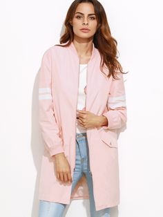 ¡Cómpralo ya!. Varsity Striped Sleeve Zip Up Bomber Coat. Pink Polyester Sports Casual Stand Collar Long Zipper Spring Fall Striped Fabric has no stretch Jackets. , chaquetabomber, bómber, bombers, bomberjacke, chamarrabomber, vestebomber, giubbottobombber, bomber. Chaqueta bomber  de mujer color rosa de SheIn.