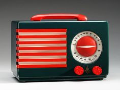 """Patriot"" radio, 1939 // designer: Normal Bel Geddes 