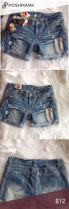 """JUST IN✔️Distressed denim Jean shorts by 1st Kiss Pre-loved in great condition distressed denim Jean shorts by 1st Kiss /stretch Jean material/size 7 / waits across 16"""" / inseam 5"""" / length front waits to bottom 12"""" 🚫NO TRADES🚫 1st Kiss Shorts Skorts"""