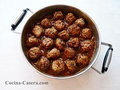 Albóndigas en salsa de tomate. Recetas caseras | Recetas de Cocina Casera | Recetas fáciles y sencillas