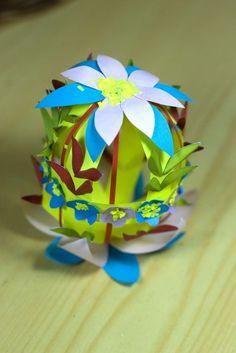 Pasqua: decorazioni fai da te per la casa - Lavoretto floreale con il cartoncino