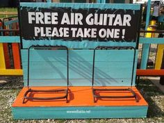 I bet this guitar sounds awesome! The Meta Picture, Haha So True, Daily Funny, Videos Funny, Musical, Make You Smile, Funny Posts, Best Funny Pictures, I Laughed