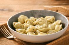 Полуфабрикаты в Батуми. Народные новости сообщают, что самые вкусные полуфабрикаты в Батуми у Милли Гобидзе.В ассортименте много разных вкусностей Macaroni And Cheese, Ethnic Recipes, Food, Mac And Cheese, Essen, Meals, Yemek, Eten