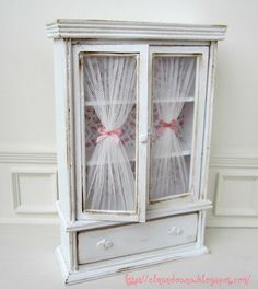 Cabinet shabby chic style. scale 1:12