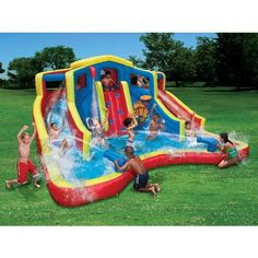 Best inflatable water parks for your backyard We have compiled a list of the 6 best inflatable sildes that your kids will definitely love this summer of adventure-club-water-park Kids Water Slide, Water Slides, Backyard Water Parks, Kids Sprinkler, Inflatable Water Park, Water Toys, Water Games, Kid Pool, Cool Pools