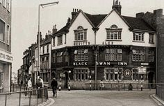 The Black Swan (mucky duck) is now a pawn brokers