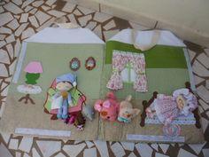 O livro casa sonolenta contém os seguintes personagens: uma avó, um menino, um gato, um cachorro, um rato e uma pulga. <br>Todos os itens são em tecido e feltro, totalmente personalizados! Encomende o seu!!