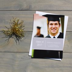 Simple but sophisticated graduation announcement with multiple color options | CatPrint Design #371
