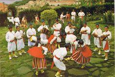 N.º 21 - Folclore - Grupo do Funchal - Ed. CARVÃO, MARTINS & SILVA, LDA SUCR. FUNCHAL ÂMBAR-PORTO - SD - Dim.
