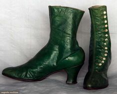 Lady's Green High-Button Boots Of Emerald Green Leather & Heels, Linen Lining And White Shoe Buttons   c.1890's
