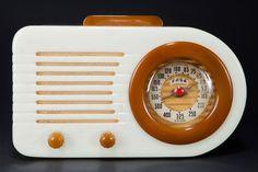 FADA 1000 Catalin 'Bullet' Radio in Alabaster with Onyx Trim