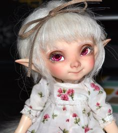 https://flic.kr/p/yDuBX6 | Eyelashes! | Put the eyelashes I saved from fairyland's faceup for May in my Pupu. I think they help make her look girlier.