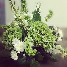 awesome vancouver wedding Simple Green for Rustic Weddings !! #igflower #weddingidea #centerpiece #wedding #weddingcolors #rustic #rusticwedding #simple #simpleideas #brida #bridalbouquet #simplethings #vancouver by @oui_floral_boutique  #vancouverwedding #vancouverwedding