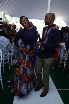 pedi wedding Couples African Outfits, African Dresses For Women, African Print Dresses, Couple Outfits, African Attire, African Wear, African Traditional Dresses, Traditional Outfits, Traditional Wedding