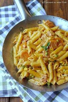 Penne in creamy vegetable and ham sauce-Penne in cremiger Gemüse-Schinken-Soße Experiments from my kitchen: Penne in a creamy vegetable sauce - Spaghetti Recipes, Pasta Recipes, Chicken Recipes, Dinner Recipes, Keto Chicken, Grilling Recipes, Cooking Recipes, Healthy Recipes, Crockpot Recipes