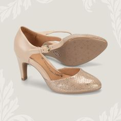 A classic neutral shoe with just the right amount of sparkle - the Palesa in Blush Gold by Sofft.