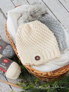 Crochet an Easy Chunky Hat With this Free Pattern. Textured stitches create a classic look, and keep you warm. It's slightly slouchy, but the brim can be folded over to make a beanie. Chunky Hat Pattern, Chunky Crochet Hat, Crochet Adult Hat, Chunky Yarn, Crochet Beanie, Easy Crochet, Free Crochet, Crochet Hats, Crocheted Headbands