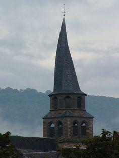 Clocher tors de l'Aveyron.  © Copyright Yves Philippe