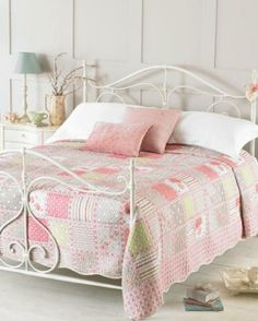 LAURA+ASHLEY+GIRLS+SINGLE+BED+QUILTED+PATCHWORK+FLORAL+BEDSPREAD ... : single quilted bedspreads - Adamdwight.com