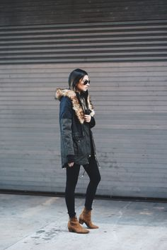 Wearing: Express Coat, Jeans & Sweater I've been loving the look of a rugged parka coat this season, especially when paired with all black. The utilitarian outerwear, featuring a fur (in this case faux) lined hood, is making a comeback on the streets of New York in a bigger way – the bigger the hood the …