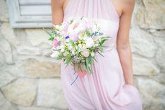 "Svatba ""s francouzským šmrncem"" Terky a Davida Formal Dresses, Wedding Dresses, One Shoulder Wedding Dress, Photos, Bouquet, Wedding Inspiration, Bridal, Portrait, Fashion"