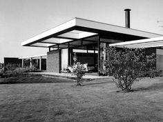 VILLA DE JONG IN LEEUWARDEN, THE NETHERLANDS, BY ABE BONNEMA 1963-1965