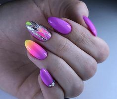 32 + The most beautiful nail designs that will draw attention to your hands and nails – Sayfa 19 – Fashion & Beauty Nail Art Design Gallery, Best Nail Art Designs, Beautiful Nail Designs, Cute Almond Nails, Almond Nail Art, Gradient Nails, Purple Nails, New Year's Nails, Fun Nails