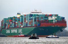 Resultado de imagem para Big Cargo ships